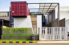 Charmante maison container urbaine au design contemporain en Indonésie, une-Container-Urban-par-Atelier-Riri #construiretendance