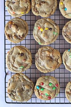 The Perfect Cookie Base. One Cookie endless possibilities! Cookie Base Recipe, Cookie Dough Recipes, Cookie Desserts, Baking Recipes, Dessert Recipes, Fall Desserts, Cocoa Cookies, Chocolate Chip Cookies, Gastronomia