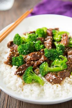 Slow Cooker Beef and Broccoli - Cooking Classy and easy! This was soo yummy! Nick and I loved! Slow Cooker Beef Broccoli, Beef And Brocolli, Slow Cooker Recipes, Beef Recipes, Cooking Recipes, Recipies, Cooking Tips, Healthy Dinner Recipes For Weight Loss, Healthy Recipes