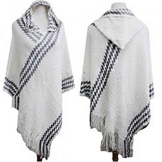 Coming soon but you can PRE-ORDER yours today before they sell out! Comment sold & email OR www.masandford.com | One size, $40FASHION BLOGGER IVORY CHEVRON FRINGE PONCHO *Pre-Order- Set to ship by THURSDAY, Nov 5, 2015* Ivory & grey Geometric Chevron Poncho Hoodie style Fringe detail One size fits all 100% acrylic #fashionblogger #ootd #onlineshopping #musthave #masandford #stlboutique #stlblogger #freeshipping #missouri #stripeponcho #fringe *PC on left: Pinterest