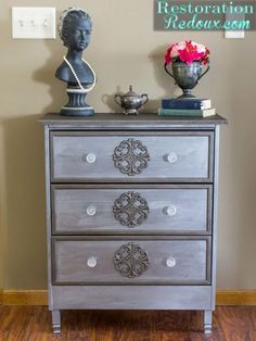 Rolling Craft Cart Ikea Rast Hack by turning a dresser into a traveling craft cart to be used anywhere around the house. Furniture Projects, Furniture Makeover, Diy Furniture, Modern Furniture, Diy Projects, Ikea Makeover, Furniture Design, Rolling Craft Cart, Dyi