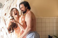 """THIS IS US -- """"I Call Marriage"""" Episode 114 -- Pictured: (l-r) Mandy Moore as Rebecca Pearson, Milo Ventimiglia as Jack Pearson -- (Photo by: Ron Batzdorff/NBC)"""