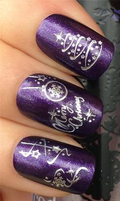 Beautiful Christmas Nail Art Ideas That You Will Love Nail Art Noel, Xmas Nail Art, Christmas Nail Art Designs, Xmas Nails, Winter Nail Art, Holiday Nails, Winter Nails, Christmas Nails, Silver Christmas
