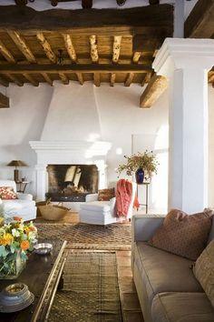 28 Cozy Spanish Style Decorating Living Room Ideas - Page 6 of 30 Spanish Style Decor, Spanish Style Homes, Spanish House, Spanish Living Rooms, Spanish Style Interiors, Spanish Revival, Decorating Living Room Ideas, Living Room Designs, Living Room Decor