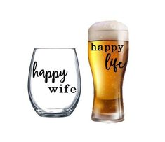 Wine Glass Sayings, Wine Glass Crafts, Beer Glass Set, Wedding Glasses, Beer Mugs, Happy Wife, Wine And Beer, Wine Gifts, Glass Design