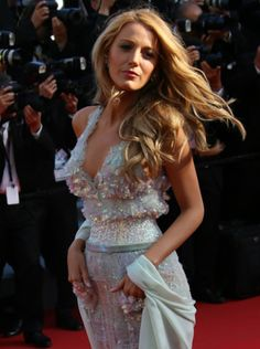 Stylish Celebrity Hairstyles for Summer  #hairstyles #blake lively