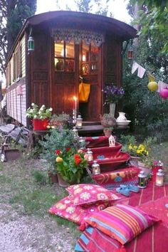 These amazing gypsy caravans will make you rethink living in a tiny house, taking one cross-country or setting one up in your backyard for a lovely little getaway spot or as a guest house. Gypsy Caravan, Gypsy Wagon, Gypsy Trailer, Caravan Decor, Caravan Ideas, Trailer Decor, Gypsy Life, Gypsy Soul, Hippie Life