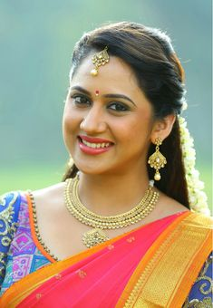 Check out beautiful photos of South Indian Actress Mia George South Indian Actress, Beautiful Indian Actress, Beautiful Actresses, South Actress, Cute Beauty, Beauty Full Girl, Beautiful Eyes, Gorgeous Women, Gorgeous Lady
