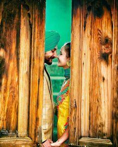Gur Punjabi Wedding Couple, Indian Wedding Couple Photography, Punjabi Couple, Punjabi Girls, Punjabi Suits, Pre Wedding Poses, Pre Wedding Photoshoot, Wedding Pics, Wedding Couples