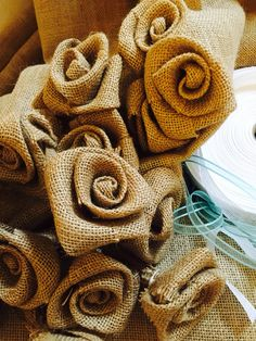 Crescono le rose da @AireeDesign #bomboniere #wedding #customized #handmade #iuta #love #tiffany