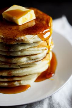Buttermilk Pancakes | simply-delicious.co.za #recipe #breakfast #vegetarian