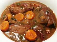 Pork cheeks with red wine - Mich& cuisine. Bread Recipes, Crockpot Recipes, Pork Cheeks, French Food, C'est Bon, Pot Roast, Soul Food, Sweet Recipes, Food To Make