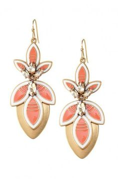 Vintage meets flexibility with these adjustable chandelier earrings. Transform your look at the drop of a hat with these versatile earrings from Stella & Dot.