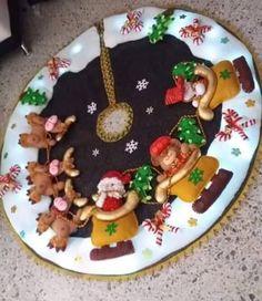 Christmas Holidays, Merry Christmas, Christmas Tree Decorations, Holiday Decor, Diy And Crafts, Type 3, Facebook, Tree Skirts, Craft