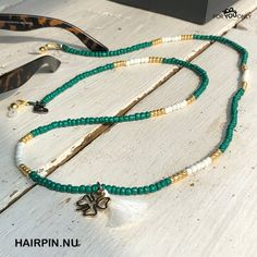 Brillenkoordje seed bead 037 Kandi Bracelets, Diy Bracelets Easy, Beaded Bracelets, Waist Jewelry, Handmade Beaded Jewelry, Homemade Jewelry, Cute Jewelry, Beaded Necklace, Handmade Bracelets