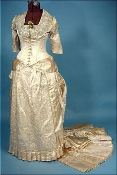 ivory wedding gown front 1870-1880