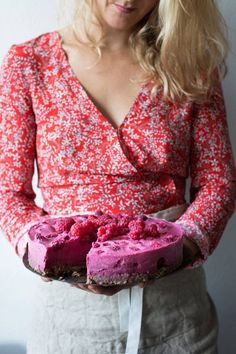 gratis oppskrift på kake, råmat, raw food, kakeoppskrift, bringebærkake, kokebok, Tiril Refsum, Oslo Raw Raw Cake, Oslo, Raw Food Recipes, Camilla, Raspberry, Cheesecake, Clean Eating, Granola, Baking