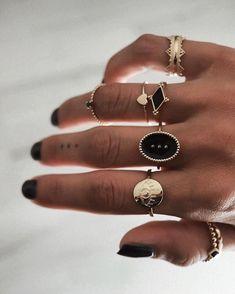 nail black and gold & nail black ; nail black and white ; nail black and gold ; nail black and red Cute Jewelry, Jewelry Rings, Jewelry Accessories, Fashion Accessories, Fashion Jewelry, Grunge Accessories, Hipster Jewelry, Jewelry Quotes, Vintage Accessories