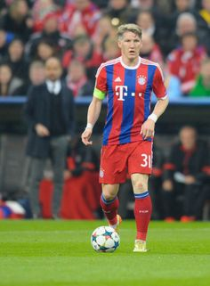 It still uncertain wheter Bastian Schweinsteiger can play Weynesday against Bayer Leverkussen. The German midfielder is struggling with an ankle injury. And he missed the training today of Bayern Munchen||| tumblr