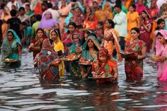 Chhath Puja Check out mahaparv date, vidhi and shubh muhurat for Sandhya Argh, Suryodaya Argh Latest News Of India, News India, Chhat Pooja, Nepal People, Nepal Culture, Legends And Myths, Religious Ceremony, U Turn, River Bank