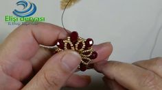 Snowflake Pendant Tip Making . Bead Jewellery, Pendant Jewelry, Beaded Jewelry, Seed Bead Tutorials, Beading Tutorials, Jewelry Tags, Jewelry Crafts, Jewelry Patterns, Beading Patterns
