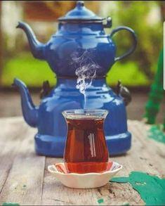 Momento Cafe, Afternoon Tea Recipes, Turkish Tea, Coffee Illustration, Tea Art, Tea Blends, My Tea, Tea Time, Tea Cups