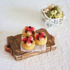 . ※ miniature strawberry tarte ※ . いちごいっぱい❤︎ . #miniature #miniaturefood #dollhouse #handmade #strawberry #いちごタルト#樹脂粘土#polymerclay #cute #clay #tarte#ミニチュア#ミニチュアフード#ドールハウス#手作り#ハンドメイド#ケーキ#ケーキ屋#タルト .
