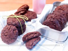 Vocês vivem me pedindo recheia de cookie de chocolate então chamei minha amiga Fran do Canal Vai Comer o Quê! que estava dando uma passadinha aqui pelo Br