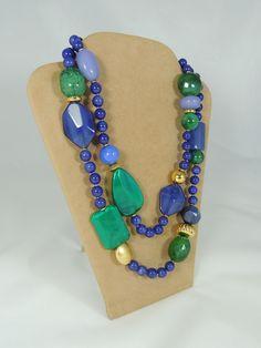 Collana forme fantasia - smeraldo e blu (vista laterale)