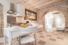 Dai un'occhiata a questo fantastico annuncio su Airbnb: Casa Vicolo Ortigia 50 mt al mare - Appartamenti in affitto a Siracusa