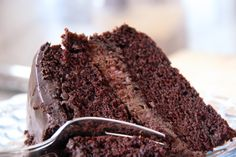 Gâteau au chocolat et mousse choco-framboise, sans gluten, sans œuf, sans noix, sans arachides et sans lactose