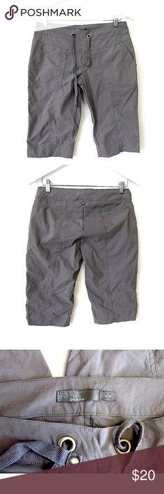 "PrAna Cropped Yoga Pants/Shorts Sz S Brand: PrAna Style:  Cropped yoga pants, workout capris, drawstring waist Size:  Small Color/Pattern:  solid gray Material:  94% nylon, 6% spandex Measurements taken flat:  -Waist:   15.5"" -Inseam:   15"" -Rise:   8"" Garment Care: machine wash, tumble dry    Condition: No flaws. Prana Pants Capris"