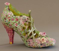 I cannot even begin to imagine how long these take to make. Shoes covered in shards of mirror, little pieces of china and china flowers. Go...#bohemian #bohoshoes #bohostyle #shabby (scheduled via http://www.tailwindapp.com?utm_source=pinterest&utm_medium=twpin)