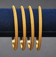 9 Beautiful 4 Gram Gold Bangles Images And Designs Here are the 9 best 4 gram gold bangles in India. The gold bangles in 4 grams designs are the best choice for all because they are simple yet stylish. Plain Gold Bangles, Gold Bangles Design, Gold Earrings Designs, Gold Jewellery Design, Fashion Jewellery, Indian Gold Bangles, Jewellery Stand, Bridal Jewellery, Bracelet Designs