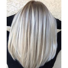Your naturally blonde client wants a change, but nothing too drastic. Enter this multi-tonal blonde blend from Carra O'Sullivan ( a Florida-based balayage specialist. She har… Honey Blonde Hair, Blonde Hair Looks, Platinum Blonde Hair, Natural Blonde Balayage, Blonde Hair Shades, Platinum Grey, Brown Balayage, Blonde Wig, Gray Hair Highlights