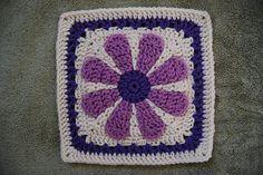 Ravelry: dmbonner's 2 Daisy Flowers, based on free pattern by Krystal Nadrutach