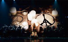 Pin for Later: Céline Dion Rend un Hommage Très Touchant à Paris Lors des American Music Awards