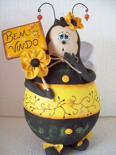 abelha decorativa feito em cabaça estilo country R$ 50,00