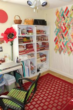 Make a dedicated space for a design wall in your sewing room. Use it not only to lay-out blocks, but keep your quilt blocks and bits organized when you need to take a break and come back to a project later. Sewing Room Storage, Sewing Room Organization, My Sewing Room, Sewing Rooms, Organization Ideas, Storage Ideas, Quilting Room, Quilting Tips, E Room