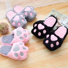 Kawaii Cats Paw Slippers ●Size:fit for cm ●About Shipping: We attach great importance to the orders of each customer and parcel delivery. time: business days to US, please allow weeks shipping to other country. Chat Kawaii, Kawaii Cat, Neko Cat, Kawaii Shoes, Kawaii Clothes, Kawaii Fashion, Cute Fashion, Cute Slippers, Crocheted Slippers