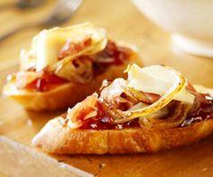 Caramelized onion fig bruschetta