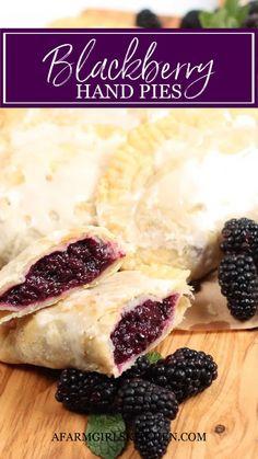 Pie Crust Recipes, Pastry Recipes, Baking Recipes, Dessert Recipes, Desserts To Make, Delicious Desserts, Yummy Food, Blackberry Recipes, Blackberry Cobbler