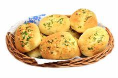 No aperitivo ou no churrasco, o pão de alho não poderá faltar. Não um simples pão de alho mas, aquele caseiro e feito por você. O sucesso é garantido!    Mais receitas em: http://www.receitasdemae.com.br/receitas/pao-de-alho-caseiro/