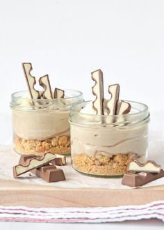 no bake kinder chocolade mini cheesecakes (Laura's Bakery) Sweet Desserts, Sweet Recipes, Delicious Desserts, Yummy Food, Baking Recipes, Snack Recipes, Dessert Recipes, Snacks, Cheesecake Recipes