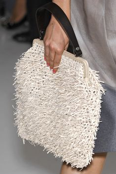 Marni at the Milan Fashion Week in spring # .- Marni at the Milan Fashion Week in spring # …- Marni auf der Mailän… Marni at the Milan Fashion Week in spring # …- Marni at the Milan Fashion Week in spring - Crochet Purses, Crochet Bags, Diy Accessoires, Milan Fashion Weeks, Summer Bags, Knitted Bags, Crochet Fashion, Fashion Bags, Fashion Fashion