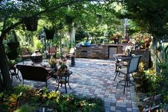 outside yard ideas | ... Ideas  Landscape Design  Pictures: Courtyard and Outdoor Kitchen