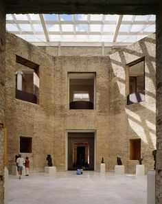 ArchDaily, Broadcasting Architecture Worldwide: Architecture news, competitions and projects updated every hour for the architecture professional Atrium, Marketing Digital, Brick, Places, Refurbishment, Museums, City, Heart, Colonial Architecture