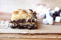 S'Mores Bars - Brownie, graham cracker, chocolate chips, marshmallow, and buttery cookie topping. One of the tastiest bars I have ever had! Just Desserts, Delicious Desserts, Yummy Food, Summer Desserts, Eat Dessert First, Dessert Bars, Cookie Recipes, Dessert Recipes, Yummy Recipes