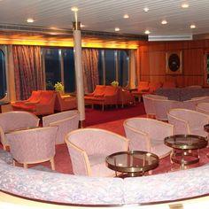 Explorer's Lounge on the Holland America Veendam cruise ship