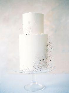 Minimalist Wedding Inspiration for the Hopeless Romantic wedding cake simple wedding cake Wedding Cake Rustic, White Wedding Cakes, Elegant Wedding Cakes, Wedding Cake Designs, Wedding Desserts, Wedding Cupcakes, Wedding Cake Toppers, Wedding Cake White, Floral Wedding